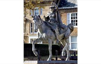 Statue of the Fine Lady, Banbury