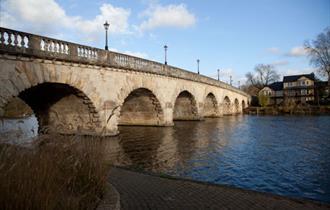 The River Thames, Maidenhead
