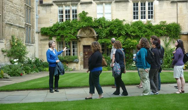 Visit Oxfordshire Walking Tours