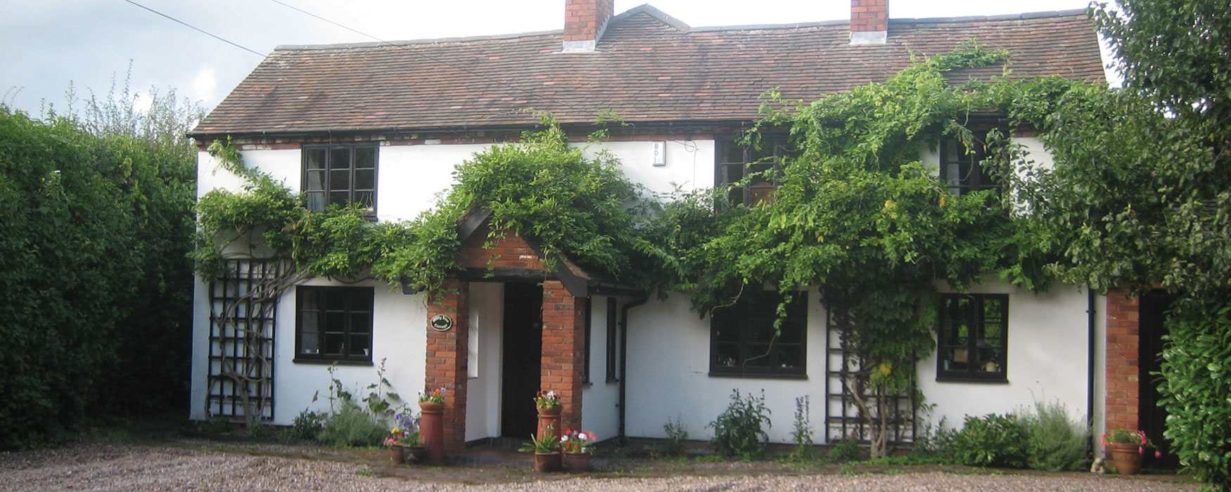 Pretty country COTTAGE B&Bs