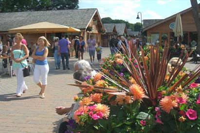 Trentham Shopping Village