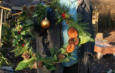 Make a natural wreath for your front door