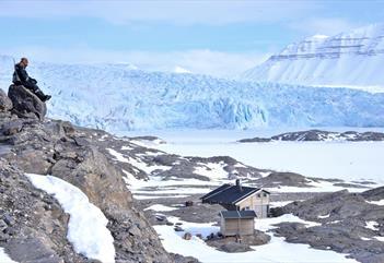 View of Nordenskiöld Lodge and the Nordenskiöld-glacier