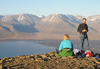 Evening hike Plateau Mountain - Spitbergen Outdoor Activities