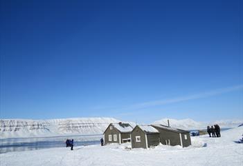 Snøscootertur til Tempelfjord - Spitzbergen Adventures