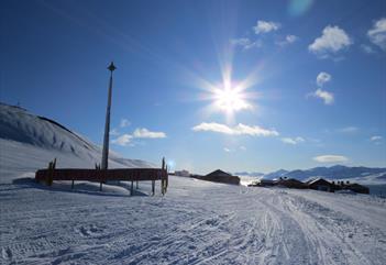 Snowmobile trip to Barentsburg - Spitzbergen Adventures