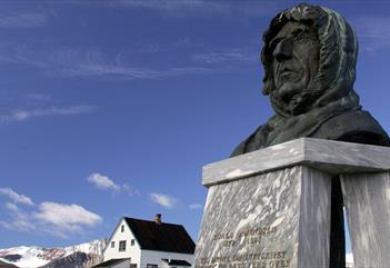 A bust of Roald Amundsen in Ny-Ålesund