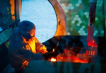 S.M.A.B / Sauna, Meal & Arctic Breeze Summer edition - Spitzbergen Adventures