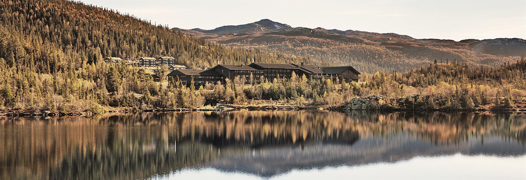 Gaustablikk Høyfjellshotel in autumn