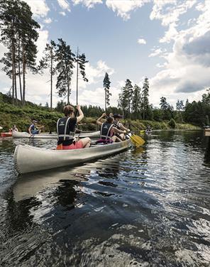 Padling med kano på Telemarkskanalen