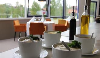 dips og tilbehør på restaurant Hagestua på Bø Hotell