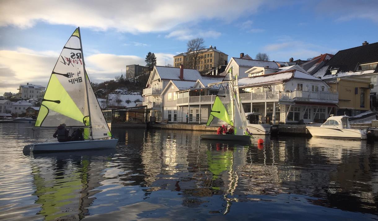Små seilbåter i Blindtarmen, Kragerø