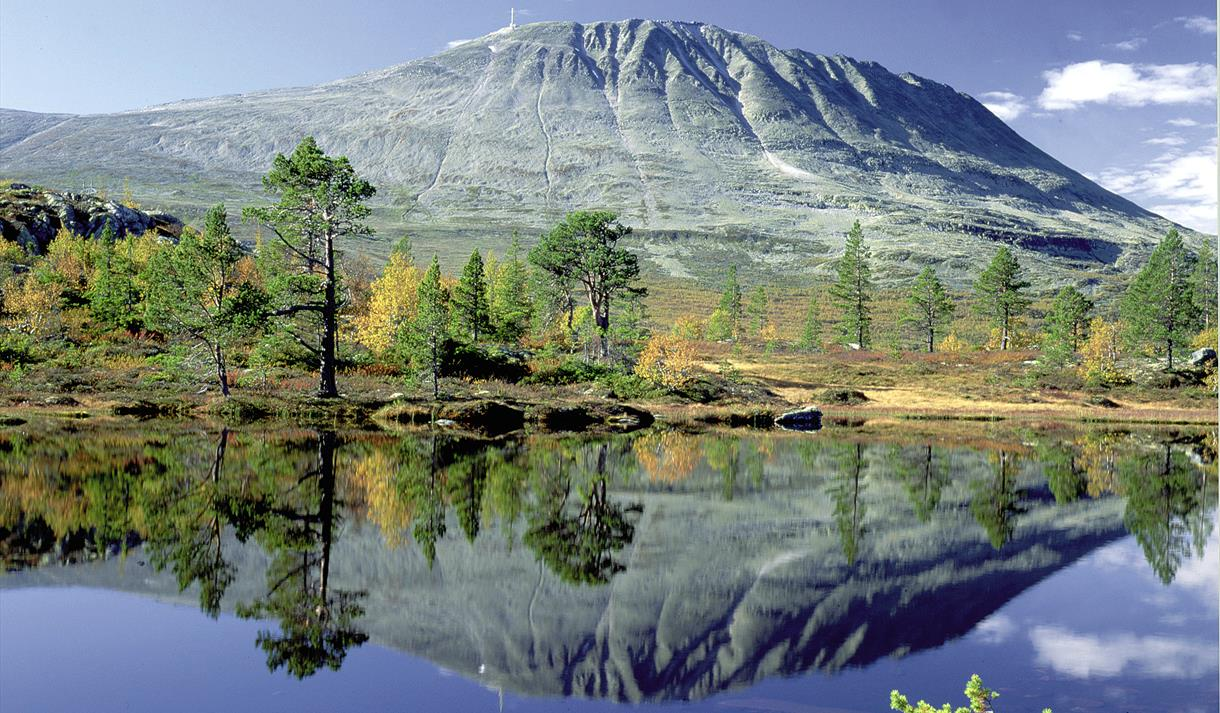 Gaustatoppen is one of few mountains in Norway that almost everyone can reach the top, due to the elevator inside the mountain, Gaustabanen.