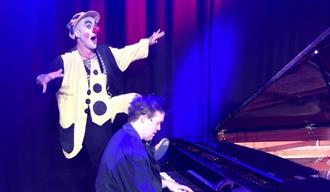 Barnespeilet - Klovn i klaveret