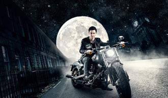 Alexx Alexxander på motorsykkel