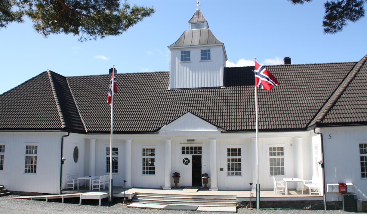 One of the best preserved beach hotels in the south of Norway, located in Telemark.