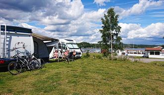there is also the motorhome parking at restaurant Sjøterrassen