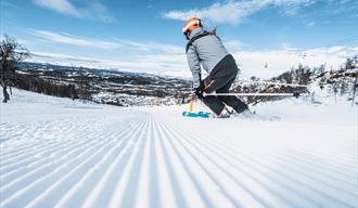 alpinkjøring ned bakken på Rauland skisenter