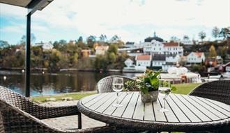utsikt fra terrassen til leiligheten med 2 soverom hos Kragerø Sportell og Appartements