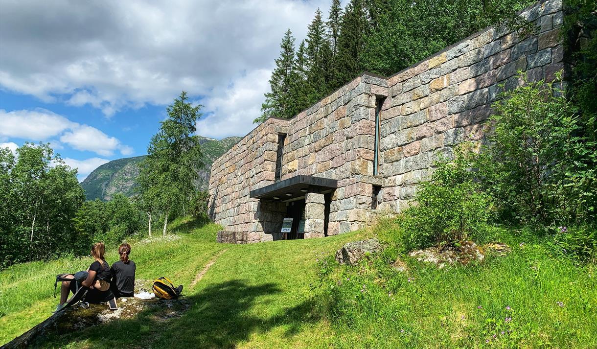 Vinje biletgalleri i Smørklepp, Harald Kihle, Henrik Sørensen, Vest-Telemark museum.