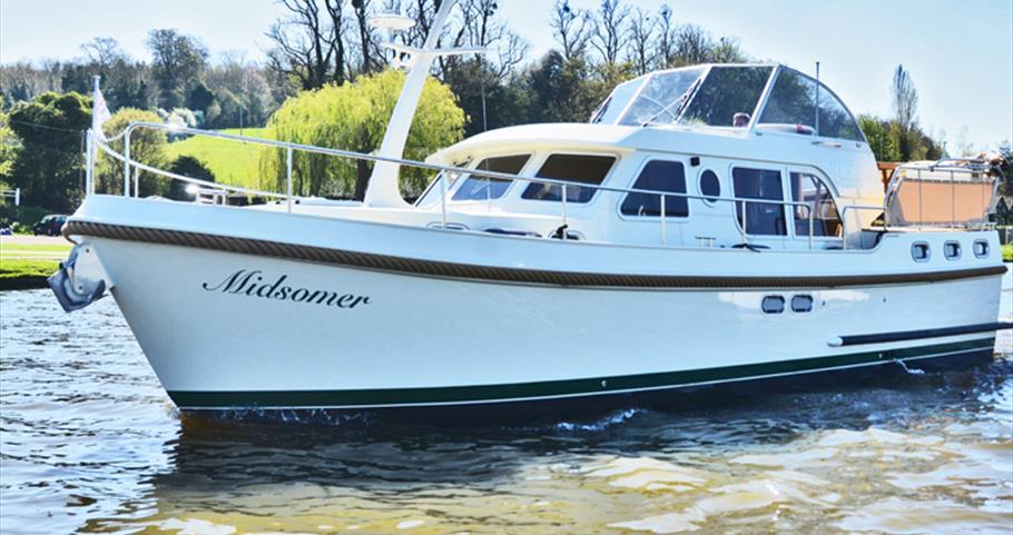 Hobbs of Henley Holiday Boats