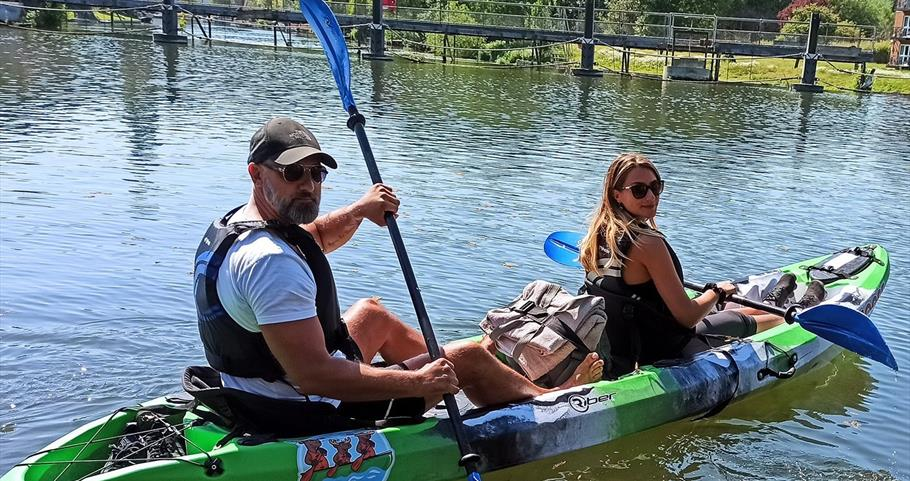 Couple in Double-Canadian Canoe from Boat Rental Thames, Bisham