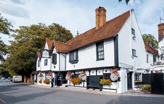 Exterior of the The Olde Bell, Hurley