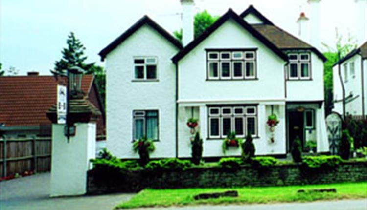 Exterior of Bridge Cottage Guest House, Taplow