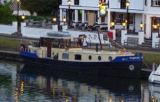 Hotel Boat Baglady