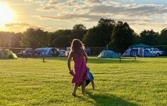 Hurley Riverside Park: camping at sunset