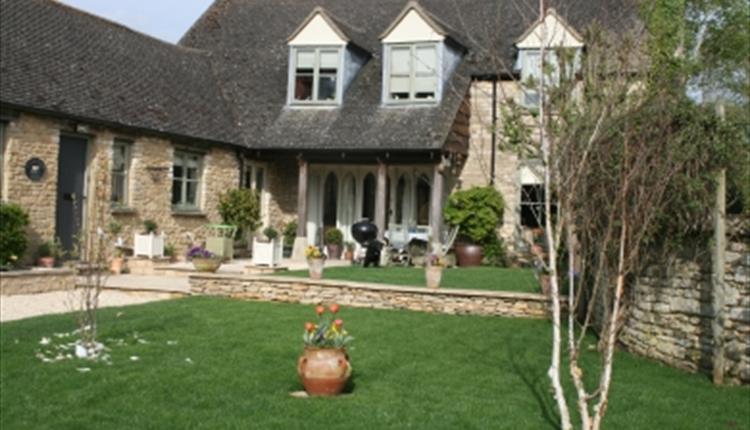 Manor Farm Barn in Aston