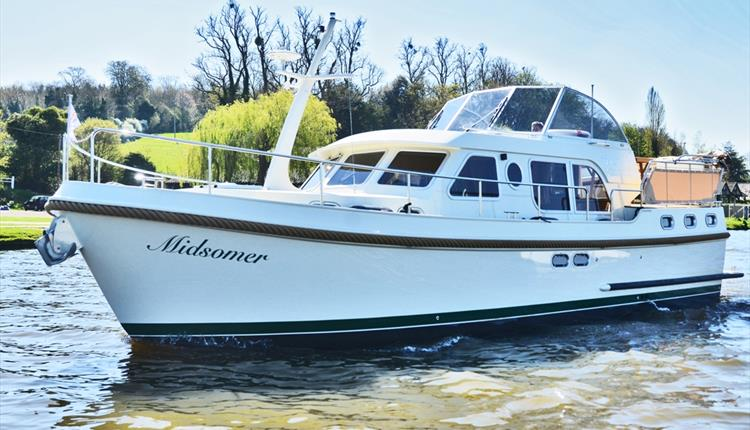 Midsomer by Boat with Hobbs of Henley