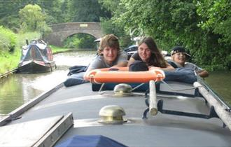 On the Wey Narrowboat Hire