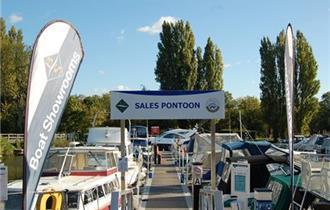 Boat Sales pontoon at Shepperton Marina