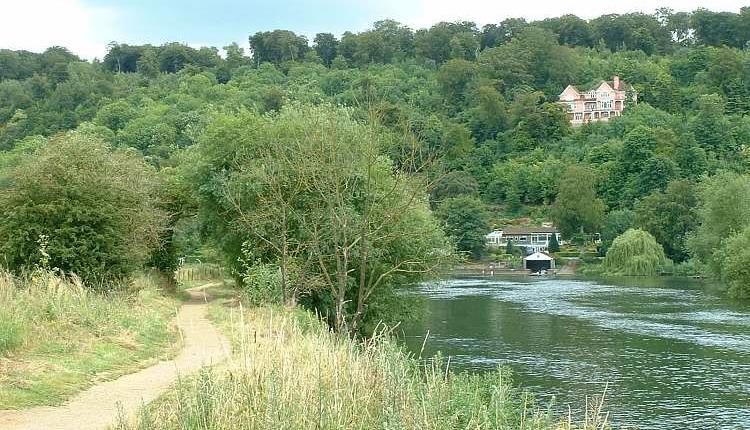 Thames Path Baton Relay