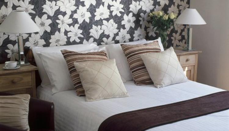 Chequers Inn Bedroom