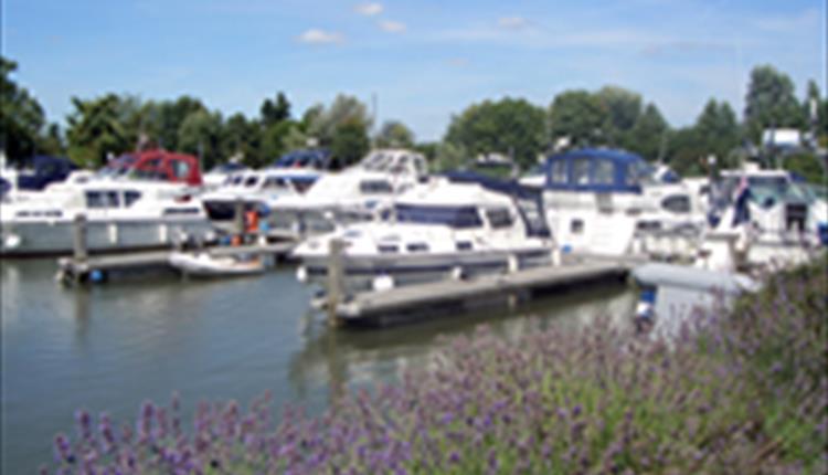 BoatingHolidayRentals.co.uk, River Thames