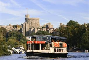 French Brother's Windsor Majesty on the Thames at Windsor