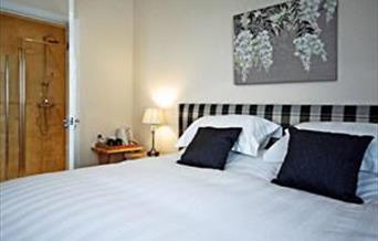 Bracken Lodge Bed & Breakfast