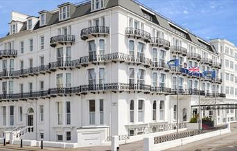 Royal Beach Hotel Exterior
