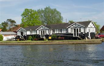 King Line Cottages