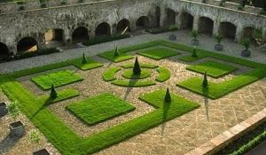 Aberglasney Mansion & Gardens
