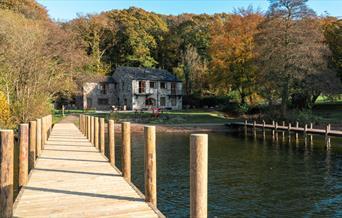 Hill of Oaks Lodge & Caravan Park