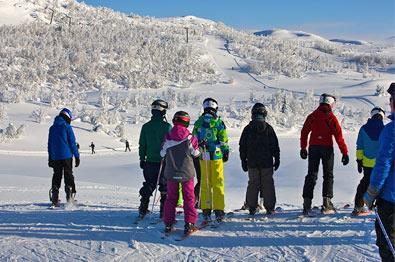 Skiskole ved alpinsenter.