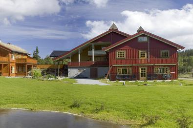 Koselige hus på Nythun om sommeren