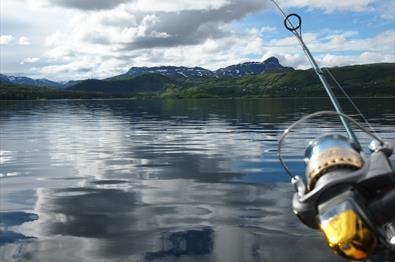 Beitostølen Aktiv & Skiskole - Boat rental and fishing guide at the Lake Øyangen
