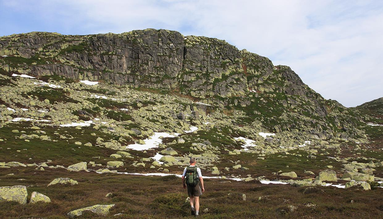 Towards the summit of Ørneflag.