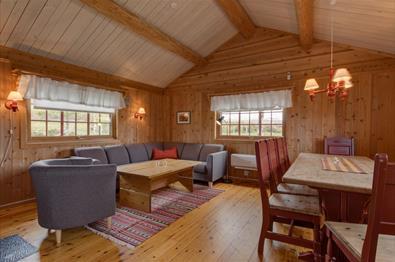 Interiør i hytte ved Brennabu