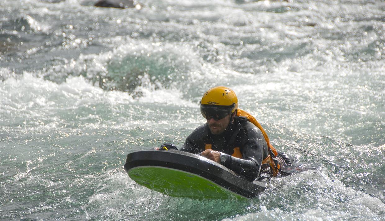 Riverboard Norge, Oppland, Valdres, Øystre Slidre, Beitostølen, gruppeaktivitet, vann, vannaktivitet, sommeraktivtet, sommersesong, elv, elvaktivitet