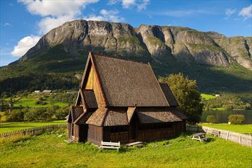 Øye Stave church